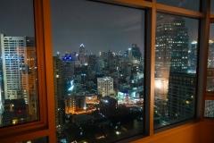 Thailand, Bangkok, Blick aus unserem Hotelfenster auf die Skyline bei Nacht
