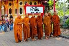 Thailand, Hua Hin, Mönche vor dem Königlichen Pavillon