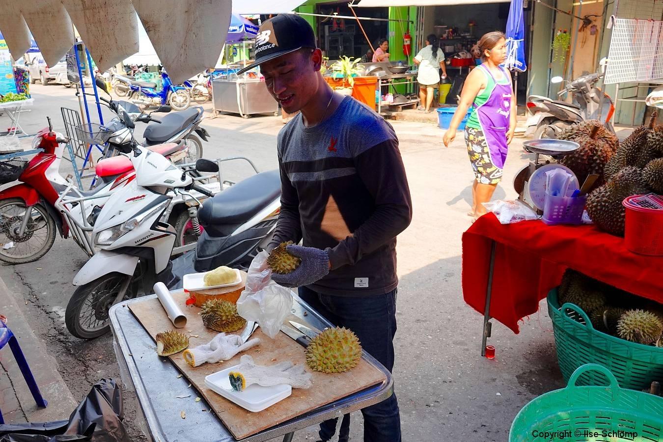 Thailand, Samut Songkhkram, Schwimmender Markt Amphawa, Durian