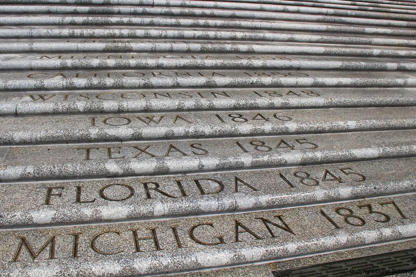 USA, Louisiana, Baton Rouge, Treppenaufgang zum Louisiana State Capitol