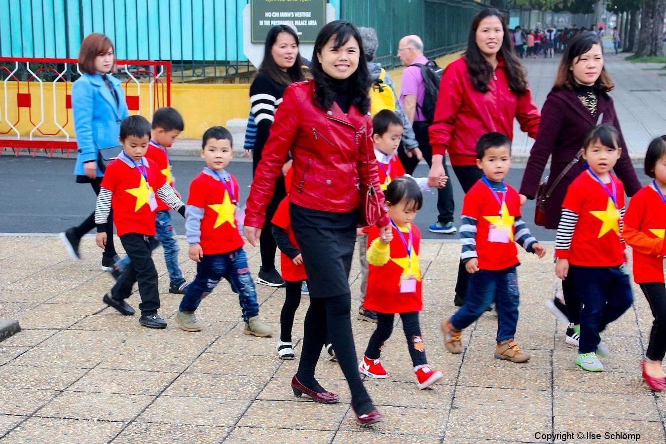 Vietnam, Hanoi, Kindergartengruppe