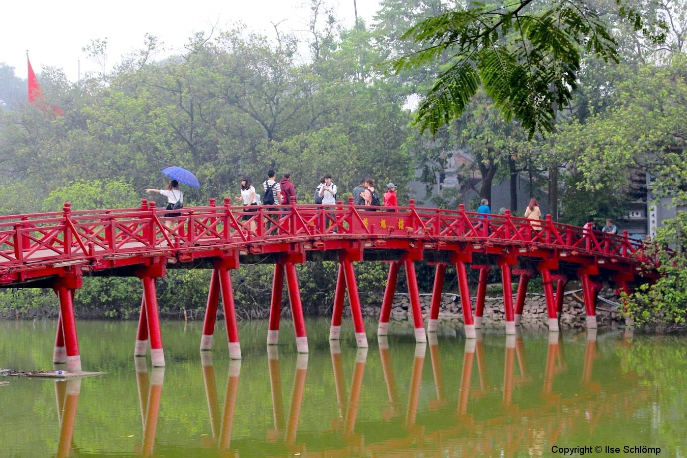 Vietnam, Hanoi, Hoan Kiem See, Die Huc Brücke (Brücke der aufgehenden Sonne)