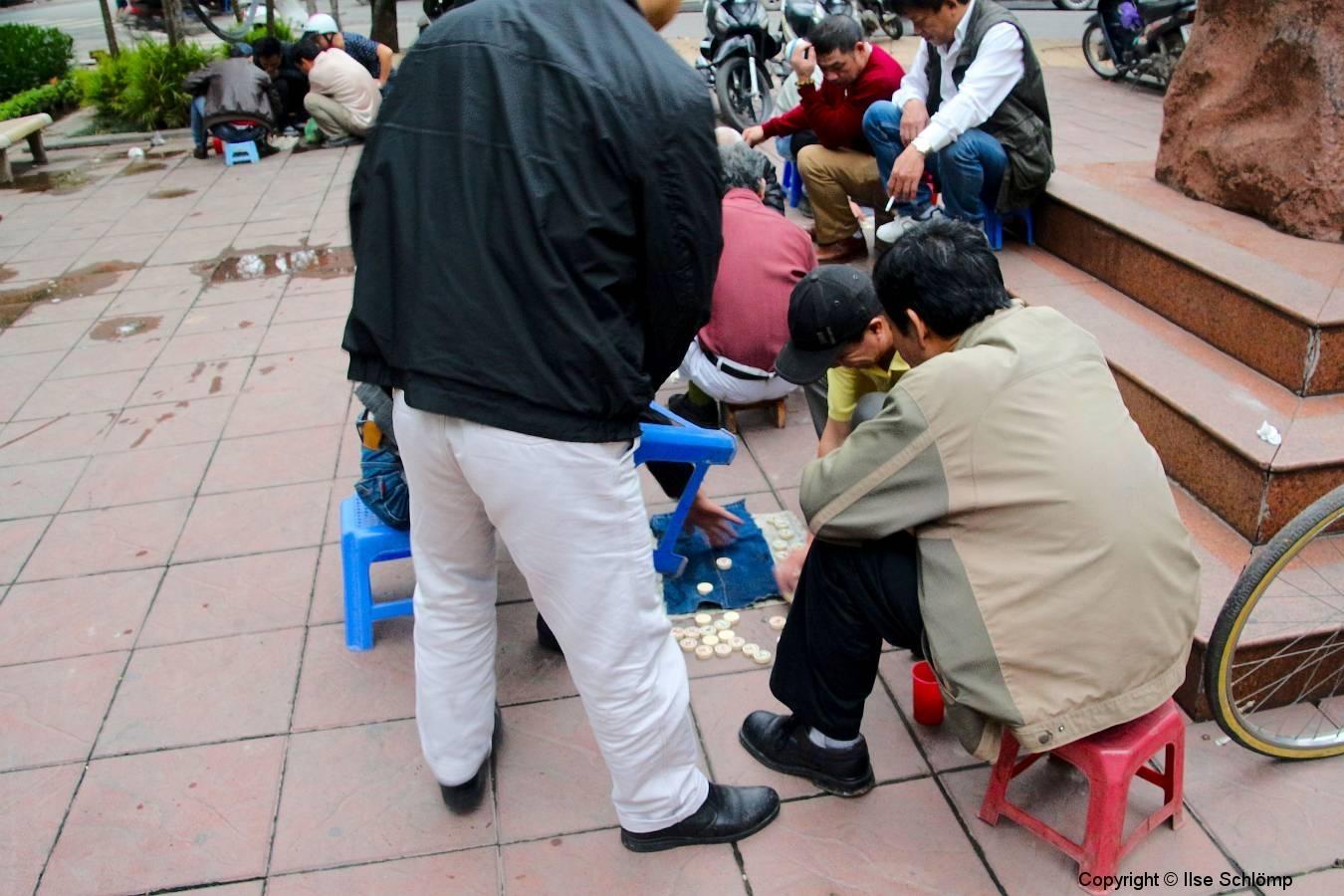 Vietnam, Hanoi, Glücksspiel