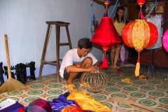 Hoi An, Lampions werden gefertigt