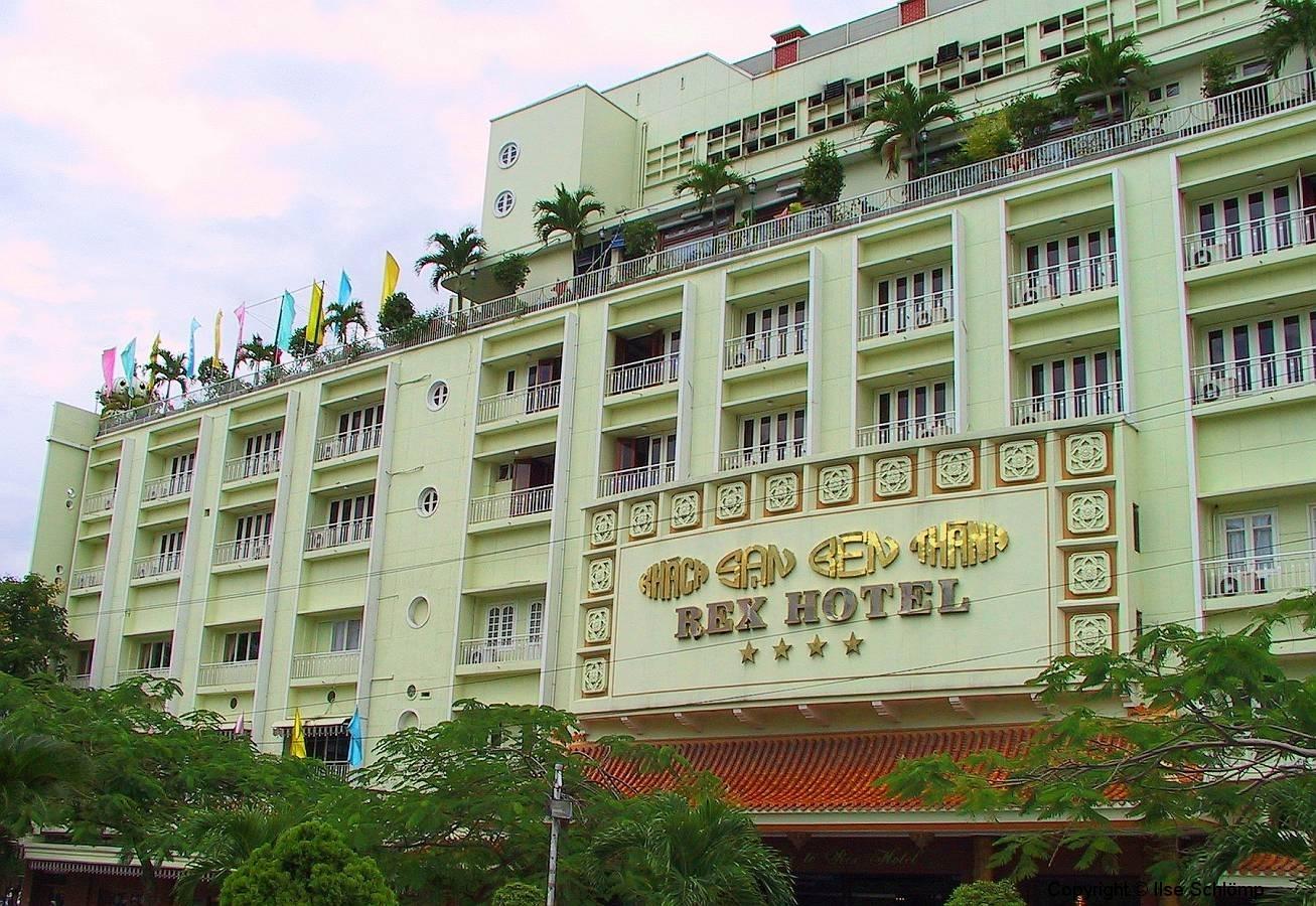 Saigon, Das legendäre Rex-Hotel. Von der Dachterrasse erfolgte die Kriegsberichterstattung