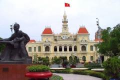 Saigon, Altes Rathaus mit Ho Chi Minh-Denkmal