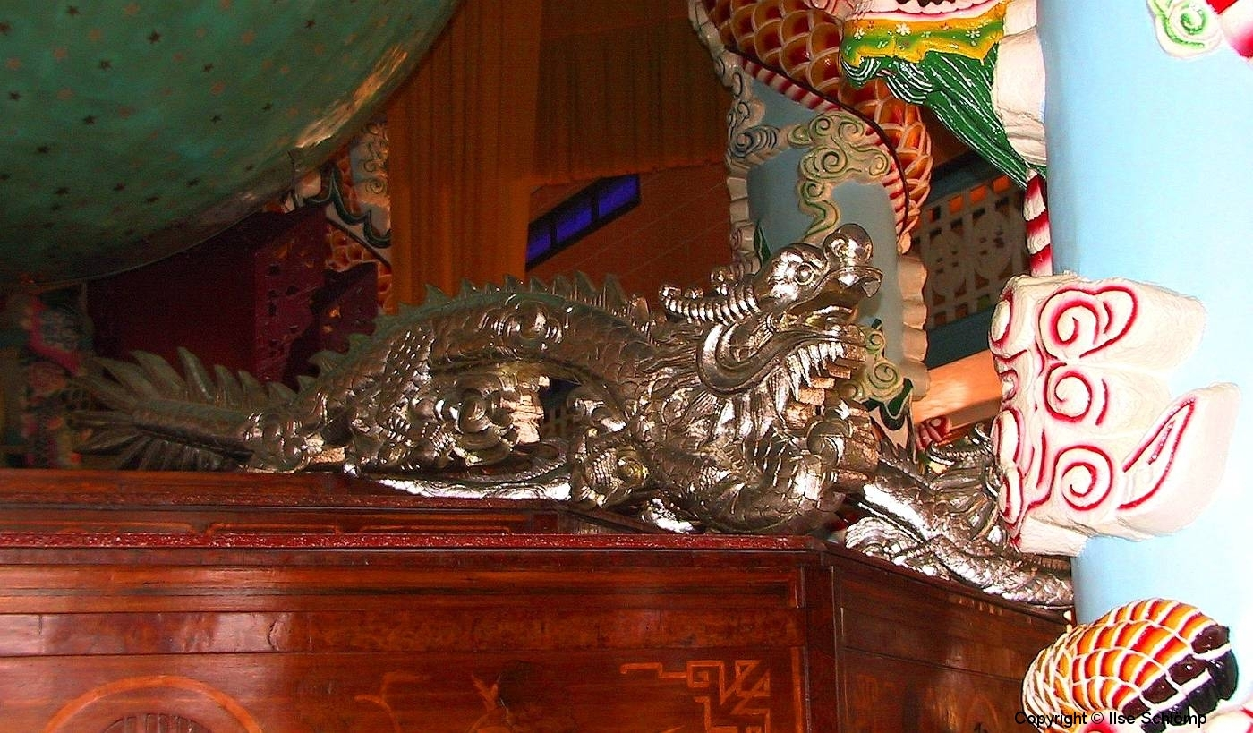 Tay Ninh, Cao Dai Tempel, Drache